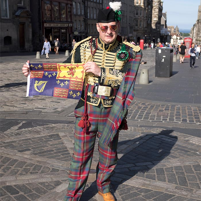 Jacobite Tours Edinburgh Campaign with the Alba Hussar!